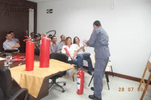 BOMBEIRO-300x199 Funcionários da Insetan participam de Semana de Prevenção de Acidentes do Trabalho Institucional